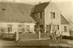 dvur-vyska-historie-4
